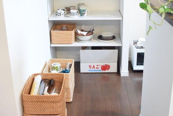 無印良品「重なるラタン長方形バスケット」食器棚&キッチン収納見直し中