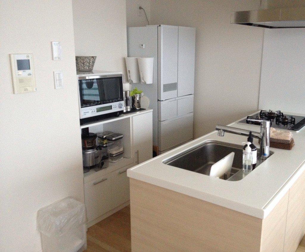 キッチンをおしゃれ&きれいに見せるために、守るべき2つのこと(マンションのキッチン実例)