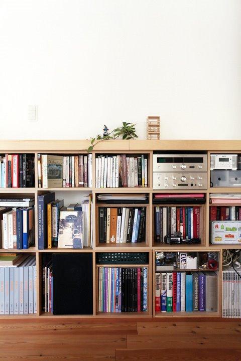 MUJIパルプボードボックスで壁一面の本棚②☆棚の組み方